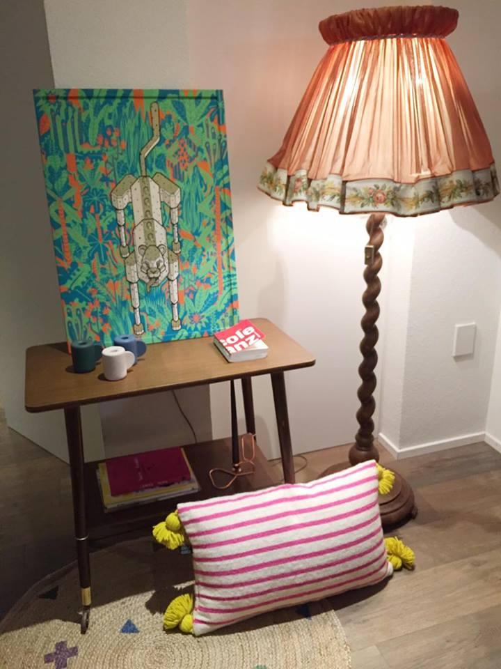 coussin berbere pompom jaune rose j 39 aime pas les dimanches. Black Bedroom Furniture Sets. Home Design Ideas